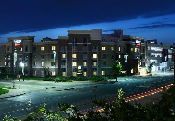 hotels near intrust bank arena wichita